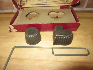 Griswold Patty Mold set includes 2 molds and a handle, 30's/40's Stratford Kitchener Area image 6