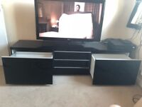 TV Unit - Black Gloss! Need to go this weekend!