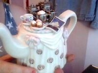 Canadian Pacific hotels tea tray teapot by cardew designs, Cute