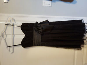 Le chateau formal / semi formal dress size S/M - 6