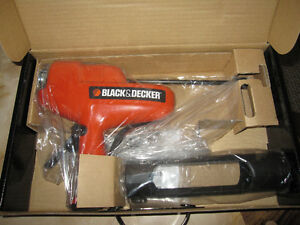 Black & Decker CG100 2-Speed Powered Caulk Gun