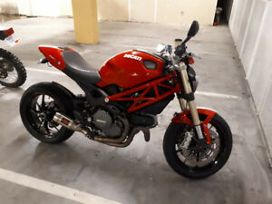 2012 Ducati Monster EVO 1100