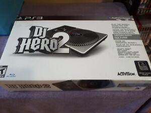 DJ HERO 2 EN BOÎTE POUR PS3 À VENDRE 20$