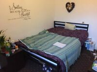 Bed rooms available close to Wilmslow Rd, close to public transport, amenities Uni