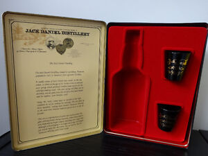 Jack Daniel's (Old No 7 Brand) Tin, full bottle, 2 glasses Cornwall Ontario image 2