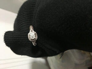 10k white gold ring, only one month old and have original receip