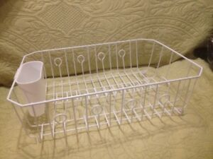 Large White Rubbermaid Dish Draining Rack with Cutlery Tray