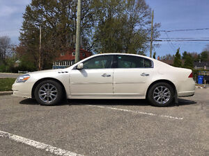 2011 Buick Lucerne Berline 64000 kms  comme neuf