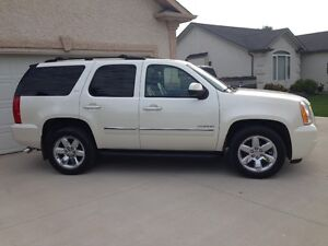 2010 GMC Yukon SLT SUV, Excellent Condition, Loaded