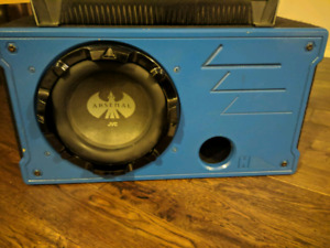 "jvc 1000w RMS 10"" sub with ported box."
