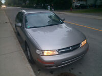 1998 Nissan Maxima EXCELLENT condition family car. Must go fast.