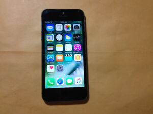 iPhone 5s ,  16gb,  debloqué / unlocked, 130$