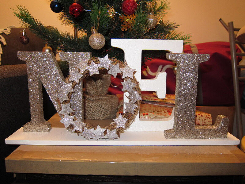 Noel Letters Christmas Wood Wreath Decoration Glitter Stand Mantel In Canary Wharf London Gumtree