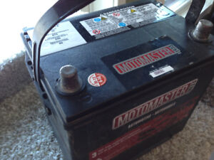 Newer motomaster top post battery