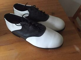 12w golf shoes (new)