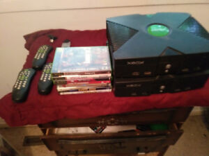 Selling original Xbox & game & paddles very very cheep