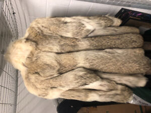 COYOTE FUR COAT MINT CONDITION LUXURY