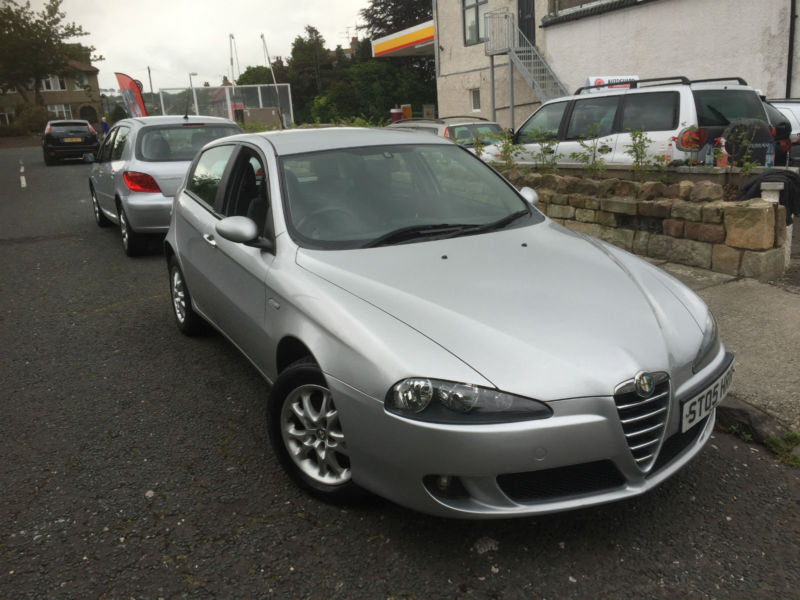 2005 05 alfa romeo 147 1 9 jtd m jet lusso 5 door only 2 owners from new full sh in lancaster. Black Bedroom Furniture Sets. Home Design Ideas