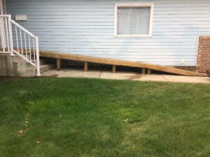 Outdoor wheelchair ramp