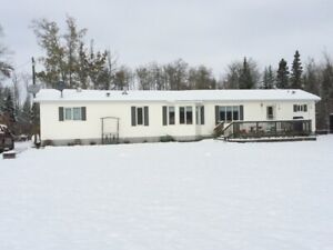 Mobile home available April 1  in  Dawson Creek / Bay Tree area