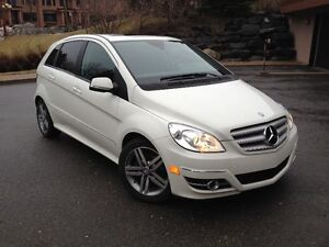 MERCEDEZ B-200 TURBO 2011 FEMME PROPRIO. (CONDITION IMPECCABLE)