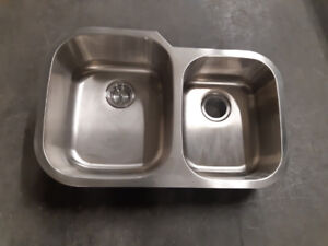 NEW Over Counter Stainless Steel Kitchen Sinks (Assorted sizes)