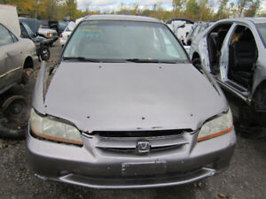 2000 Honda Accord SE ** FOR PARTS ** INSIDE & OUTSIDE**