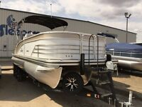 2015 Lowe Boats Infinity 270 CL Luxury Pontoon Boat 300HP Verado