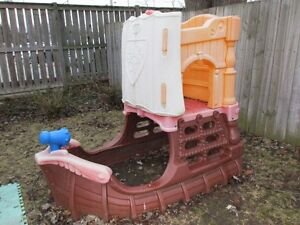 P I R A T E  PLAYSHIP  kids ages 2-8yrs.! *DELIVER AVAIL =$20