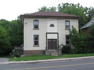 162 Parkhill RD W, Peterborough -2 Bdrms - Available July 1st