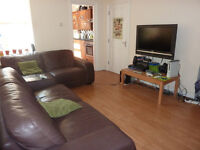 NO ADMIN FEE- LAST DOUBLE ROOM IN OUR PROFESSIONAL HOUSE SHARE IN HEATON £330PCM BILLS INCLUDED