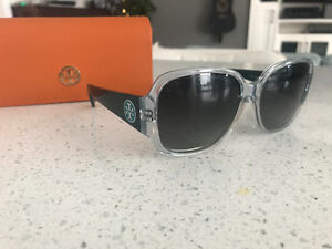 As new ~ Authentic Tory Burch polarized sunglasses ~