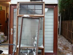 Fenêtres en bois de cèdre