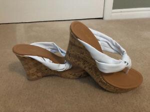 "Women's Sandals size 7 1/2 (white wedge heels-4"")Qupid)"