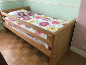 single bed(solid wood)