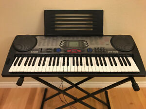 piano CTK-558 with stand