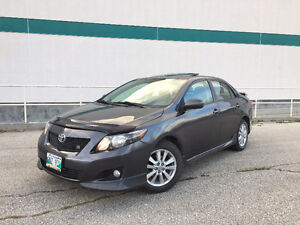 09 Toyota Corolla S, Loaded, Saftied, 5 speed, 4 cyl, Sunroof!