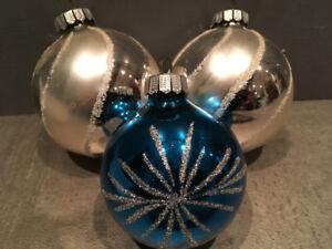 CHRISTMAS BALLS BOULES DE NOËL VINTAGE RETRO MID CENTURY XMAS