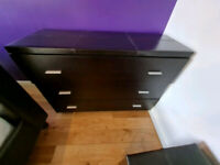 Brown leather chest of drawers in new condition £75