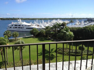 Stunning direct intercoastal views