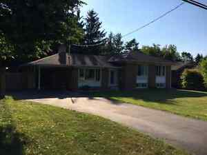 Ancaster Detached House Rental - Hamilton Golf & Country Club