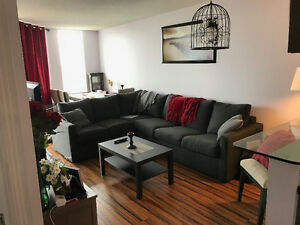 PORT CREDIT -- Condo for rent $1850/month (1 year lease) 1 BEDRO