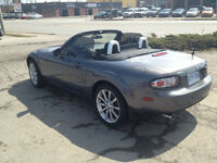 2007 Mazda MX-5 Miata GS Coupe (2 door)