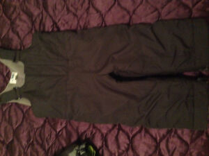 Boy snowsuit from place London Ontario image 3