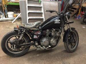 3 Yamaha xj 750'