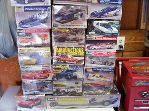 OLDER NHRA   AND  HOT WHEELS  COLLECTABLES AND MODEL KITS London Ontario image 2