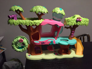 Misc Play Sets and Toys for Sale