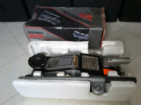 Hydraulic Car Jack For Sale Only £12