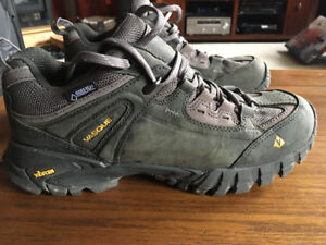 Hiking Shoes- Vasque