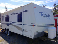 28' Terry Fleetwood RV trailer 2004